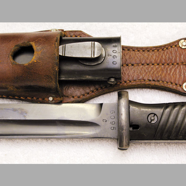 1940 E.u.F Hörster Bayonet with Tan Frog