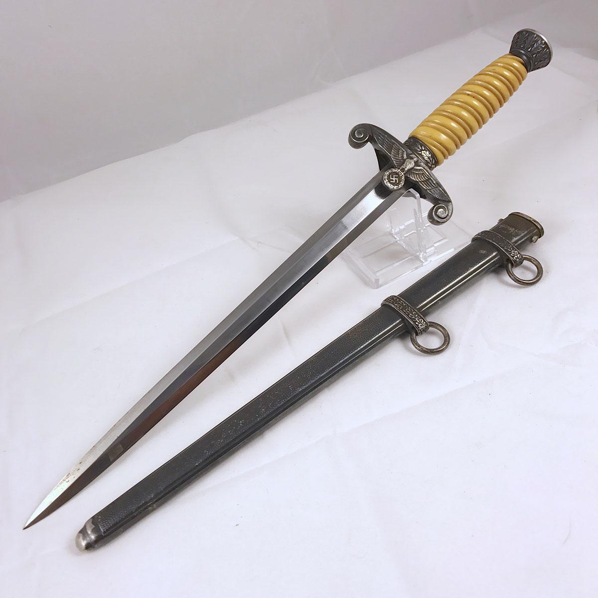 Heer Dagger by Alcoso (horizontal mark)