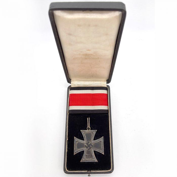 "Knights Cross with Original Ribbon & Case by Steinhauer & Lück, ""Micro 800"""