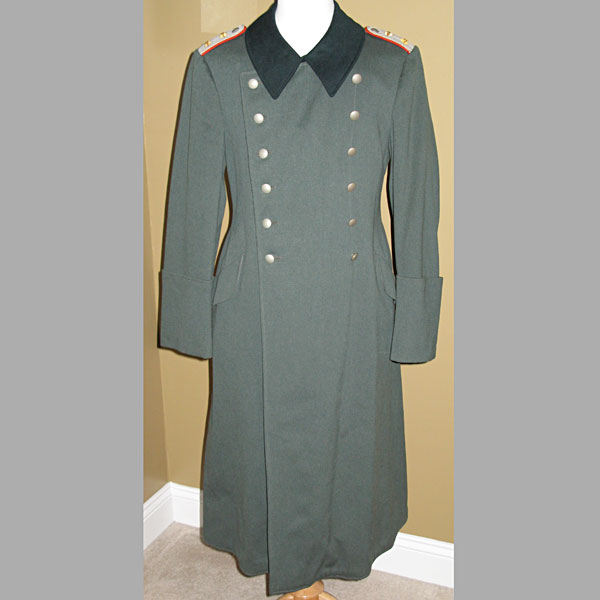 Heer Artillery Hauptmann (Captain's) Winter Greatcoat