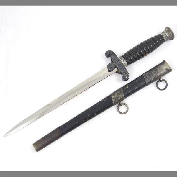 land-customs-dagger-paul-weyersberg-3