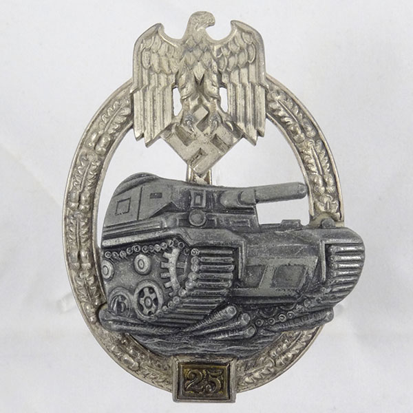 Panzer Assault (Tank) Badge in Silver for 25 Engagements